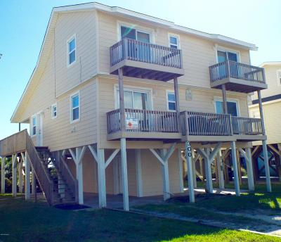 Ocean Isle Beach Single Family Home For Sale: 300 E First Street