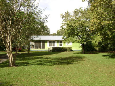 New Bern Single Family Home For Sale: 115 Saints Delight Church Rd Road