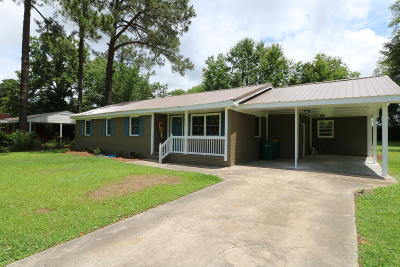 Whiteville NC Single Family Home For Sale: $124,500
