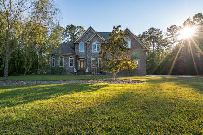 New Bern Single Family Home For Sale: 711 Taberna Circle