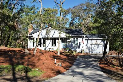 Pine Knoll Shores Single Family Home For Sale: 154 Mimosa Boulevard