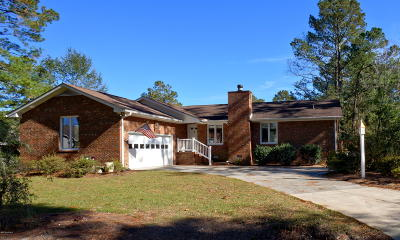 New Bern Single Family Home For Sale: 101 Starboard Drive