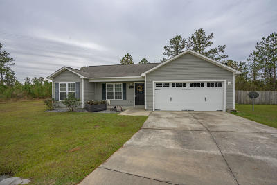 Onslow County Single Family Home For Sale: 607 Red Bud Court