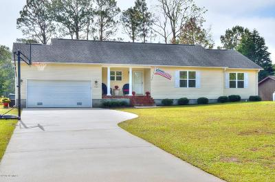 Southport Single Family Home For Sale: 308 Fairway Drive