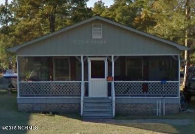 Oak Island Single Family Home Pending: 317 NE 61st Street