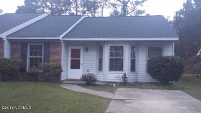 Onslow County Condo/Townhouse Active Contingent: 2314 Knollwood Lane