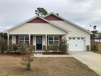 Onslow County Single Family Home For Sale: 604 Parsley Drive