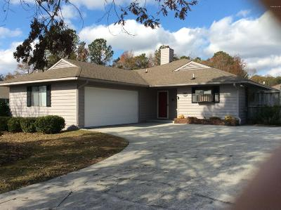 Onslow County Single Family Home For Sale: 2002 Colony Plaza