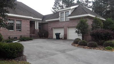 Single Family Home For Sale: 122 Evergreen Drive