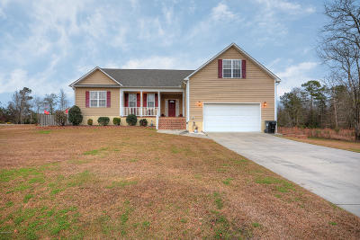 Onslow County Single Family Home For Sale: 1403 S Stage Coach Trail