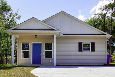 Oak Island Single Family Home For Sale: 119 NE 11th Street