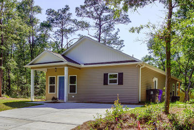 Oak Island Single Family Home For Sale: 107 NW 28th Street