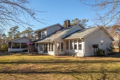 Morehead City Single Family Home For Sale: 102 Fairway Drive E