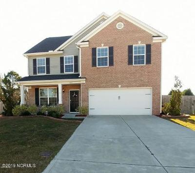 Swansboro Single Family Home For Sale: 303 Sand Grove Drive