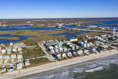 Surf City Single Family Home For Sale: 509 S Shore Drive