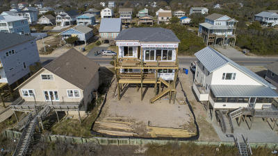 Oak Island Single Family Home For Sale: 3521 E Beach Drive
