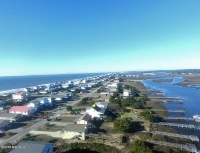Oak Island Single Family Home For Sale: 2518 W Pelican Drive