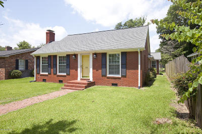 Lake Waccamaw Single Family Home For Sale: 108 Lakeshore Drive