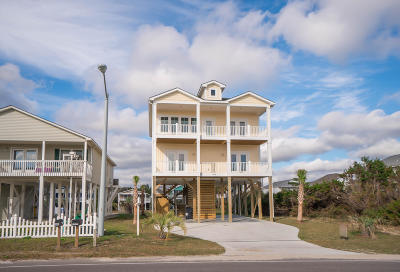 Oak Island Single Family Home For Sale: 1418 E Beach Drive