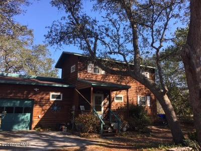Oak Island Single Family Home For Sale: 306 W Yacht Drive
