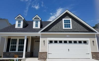 Hampstead Single Family Home For Sale: 128 Downy Drive