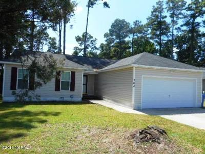 Onslow County Single Family Home For Sale: 302 Parkwood Drive