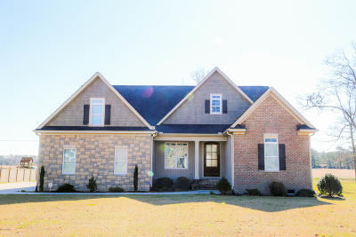 New Bern Single Family Home For Sale: 113 Staffordshire Drive