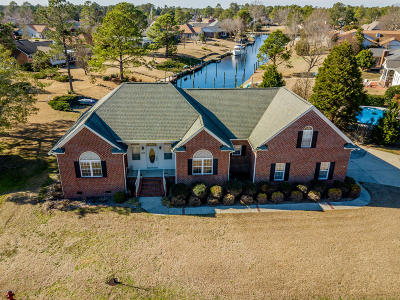 New Bern Single Family Home For Sale: 1309 Caracara Drive