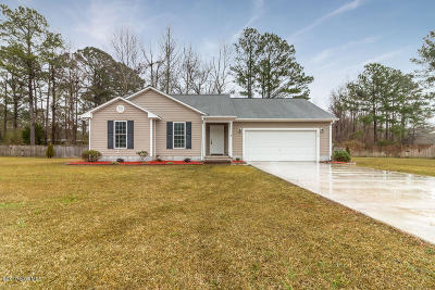 Onslow County Single Family Home Active Contingent: 105 Laredo Drive