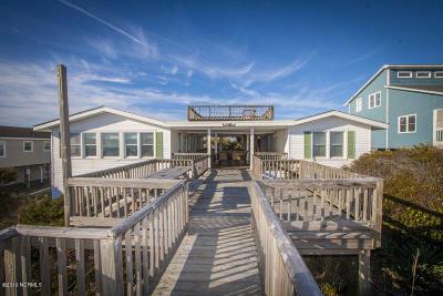 Oak Island Single Family Home For Sale: 3021 W Beach Drive