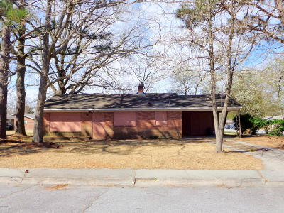 Greenville Single Family Home For Sale: 304 E Roundtree Drive