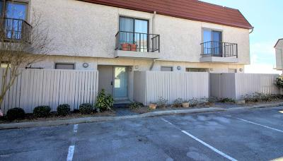 Morehead City Condo/Townhouse For Sale: 4801 S Shore Drive #F-8