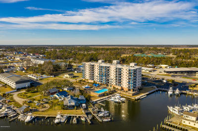 Morehead City Condo/Townhouse For Sale: 4425 Arendell Street #609