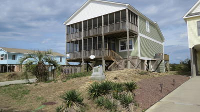 Oak Island Single Family Home For Sale: 3310 W Dolphin Drive