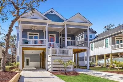 Oak Island Single Family Home For Sale: 115 SE 9th Street