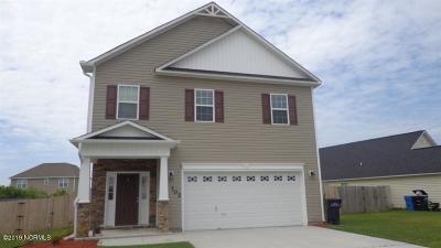 Jacksonville Single Family Home For Sale: 702 Savannah Drive