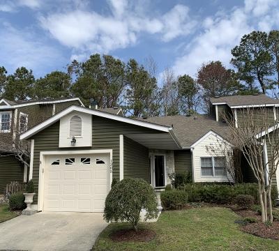 Morehead City Condo/Townhouse For Sale: 1305 Cedarwood Village