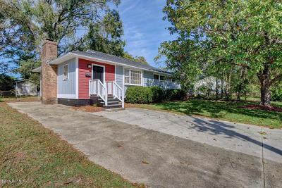 Jacksonville Single Family Home For Sale: 911 Barn Street
