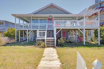 Oak Island Single Family Home For Sale: 5406 W Dolphin Drive