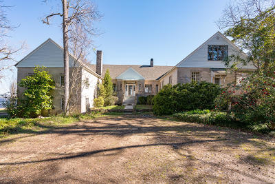 New Bern Single Family Home For Sale: 2800 Old Cherry Point Road