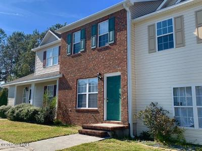 Onslow County Condo/Townhouse For Sale: 203 Spring Meadow Circle