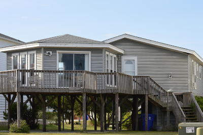 Oak Island Single Family Home For Sale: 5406 W Beach Drive