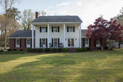 Kinston Single Family Home For Sale: 3015 Fox Run Circle