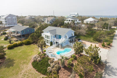 Emerald Isle Single Family Home For Sale: 4002 Ocean Drive