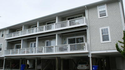 Southport Condo/Townhouse Pending: 608 W Brown Street #I