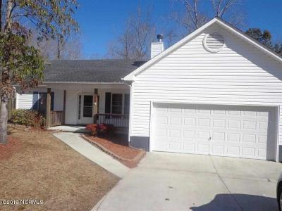 Jacksonville Single Family Home Active Contingent: 203 Falling Leaf Court
