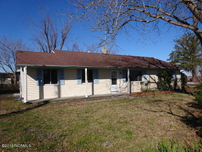 Oriental NC Single Family Home For Sale: $159,900