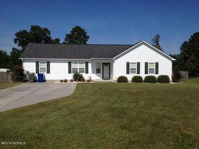 Onslow County Single Family Home Active Contingent: 135 Airleigh Place