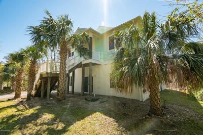 Single Family Home For Sale: 7203 Sound Drive