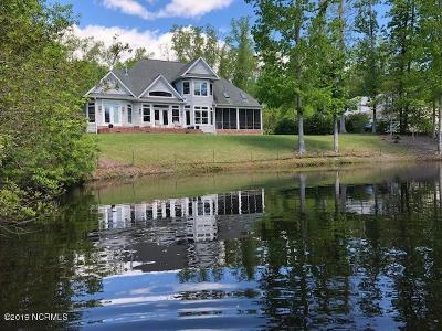 New Bern Single Family Home For Sale: 304 Breckenridge Lane